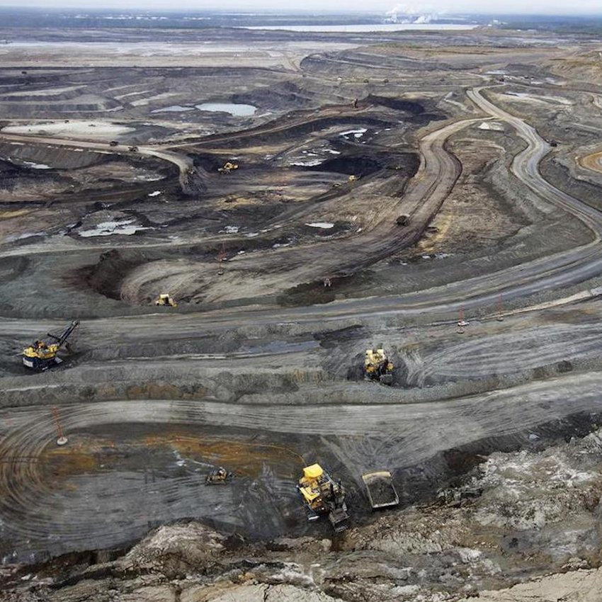 Oil sands reference photo