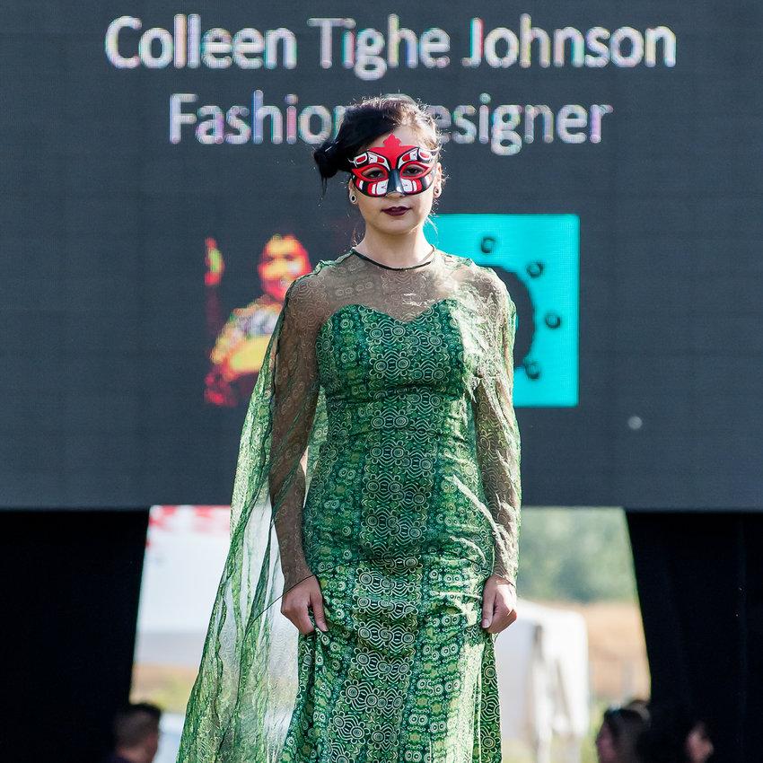 World Fusion of Wearable Art